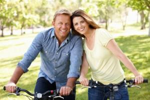 couple-bike-ride